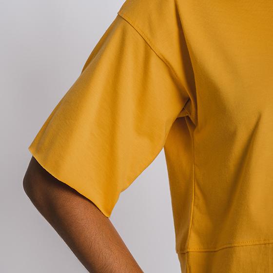 Tea-shirt ampla Mostarda